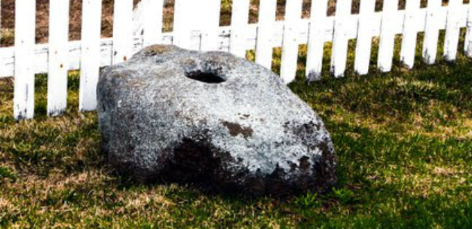 The famous stone under which the horrible ghost of the priest´s apprentice is buried. PIC martinz