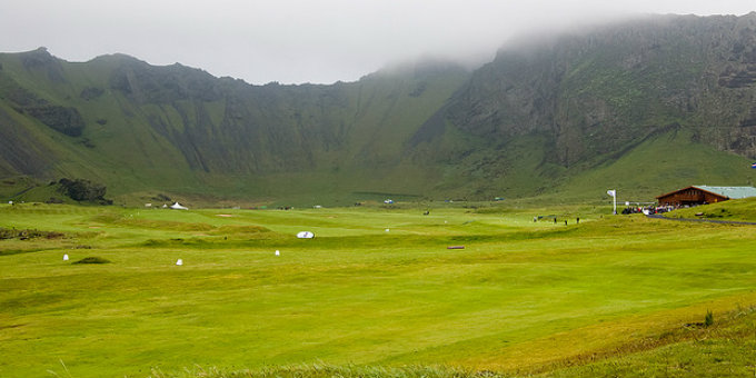 Heimaey golf course is one of the better ones here and as often is the case the setting is stunning. PIC Global Ranger
