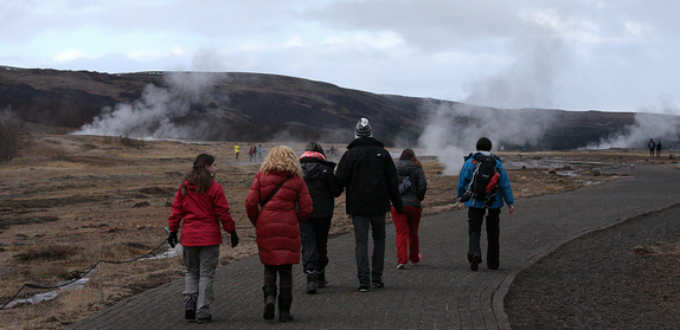 Soon one will pay to see Geysir area in Iceland. PIC coleccionistadeinstantes