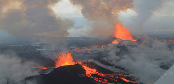 A number of folks believe the ongoing eruption at Holuhraun is Bardarbunga volcano. It is not. Simple a small rift. PIC peterhartree