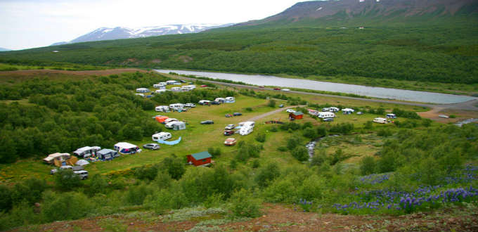 Camping and caravansite Systragil in the North of Iceland is rather typical of the quite wonderful places to enjoy in between trips. PIC Systragil