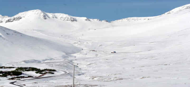 Skardsdal valley ski area of Siglufjordur in Iceland. Very, very nice but lacking too. PIC siglo.is