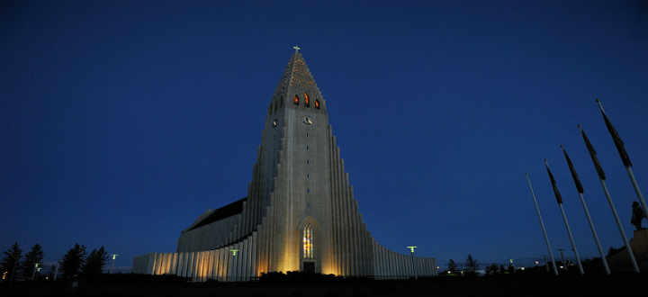 The major symbol of Reykjavik city is the Hallgrimskirkja church. PIC Rog01