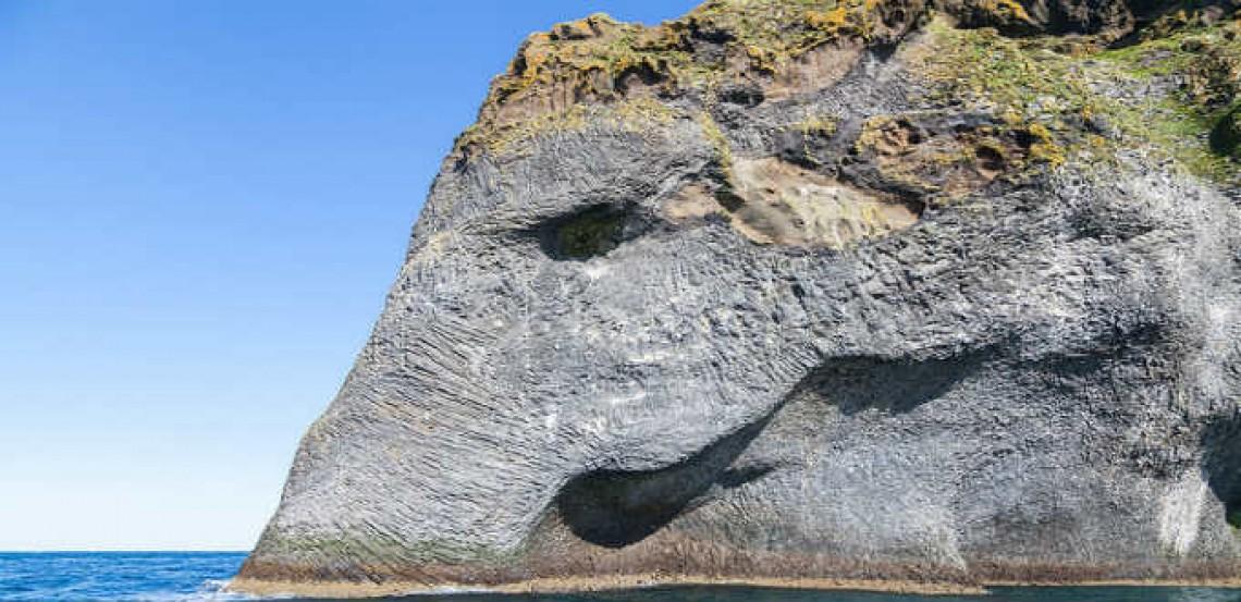 In Iceland, the elephant rocks