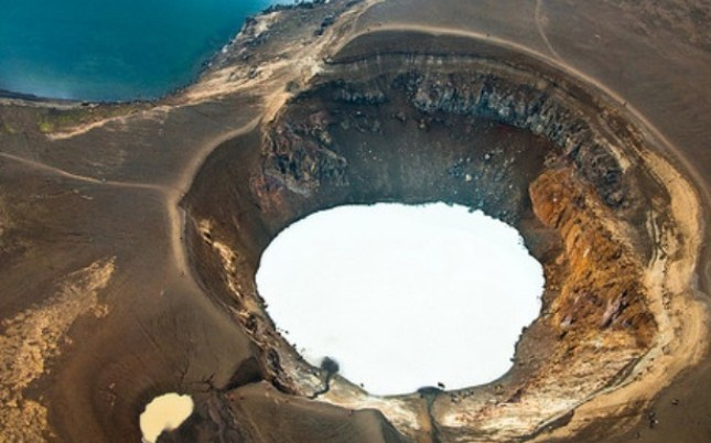 Hell in Iceland is actually pretty damn beautiful