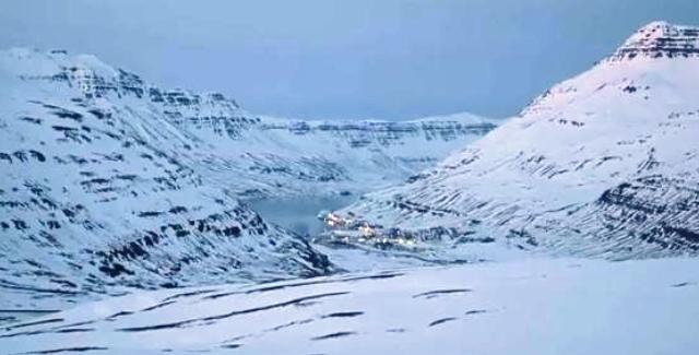 Freezing winds descending on Iceland