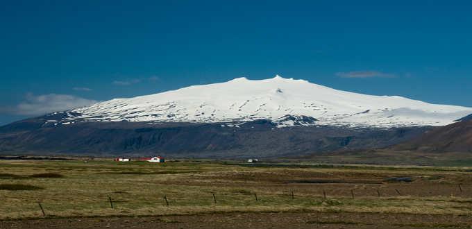 Climbing Snaefellsjokull glacier in Iceland