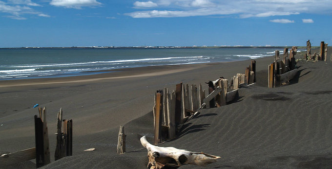 The irresistible black beaches of Iceland